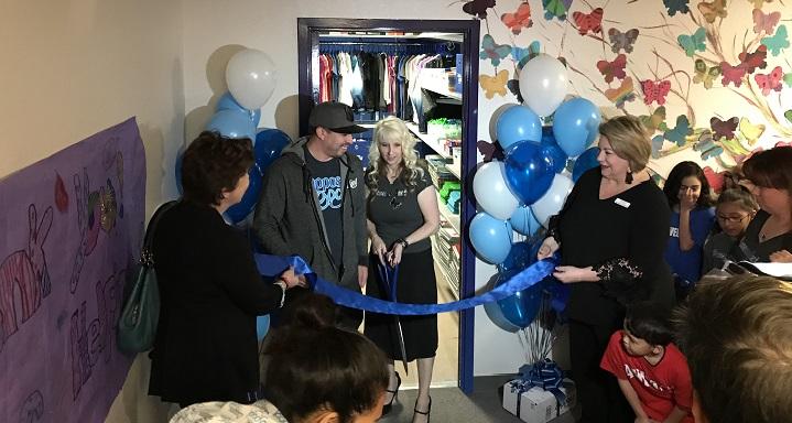 Zappos - Closets for Good - Rundle ES