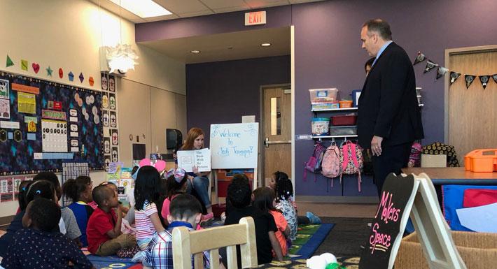 Superindent Jara visits students in Abston Elementary School